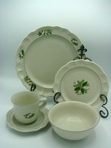5 Piece Place Setting Christmas Heirloom by PFALTZGRAFF Plate, Bowl Cup/... - $39.73