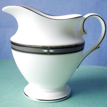 Lenox Diamond Solitaire Creamer Platinum Banded New - $45.90