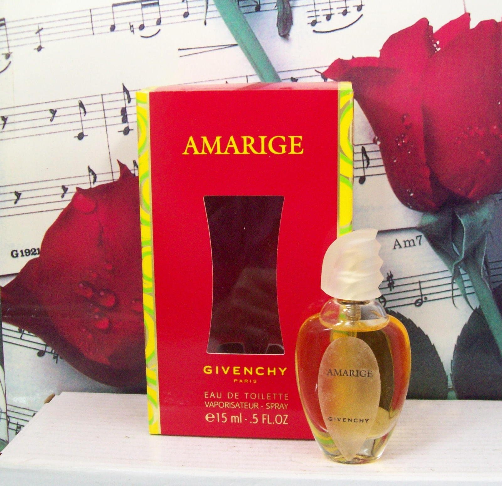 Primary image for Amarige De Givenchy EDT Spray 0.5 FL. OZ. NWB