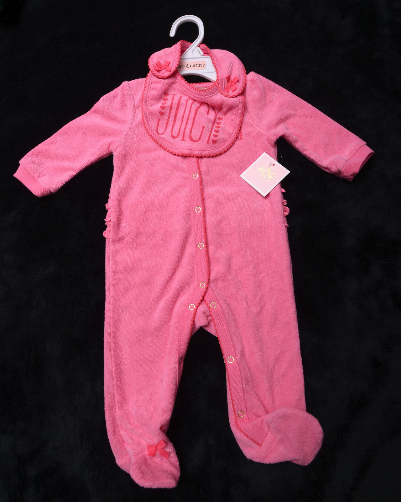 NWT NEW 2 Piece JUICY COUTURE Baby FOOTIE with BIB Size 6/9 Months Snaps - $42.20