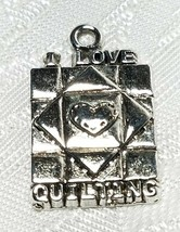 I LOVE QUILTING QUILT SQUARE FINE PEWTER PENDANT CHARM 3x23x15mm image 1