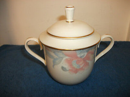 Lenox China Westwood Pattern Covered Sugar Bowl Dinnerware Beautiful - $14.99