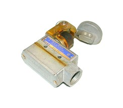 Honeywell Micro Switch Palm Button Limit Switch Model BZE6-2RN4 - $45.99