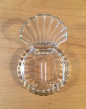 Vintage 50s glass Scallop Shell salt and pepper shaker set image 5