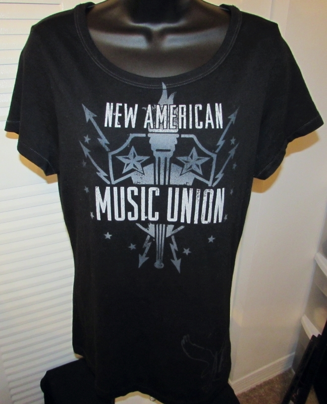 "American Eagle Outfitters Graphic T-Shirt ""Music Union Summer Festival"" Size: M"