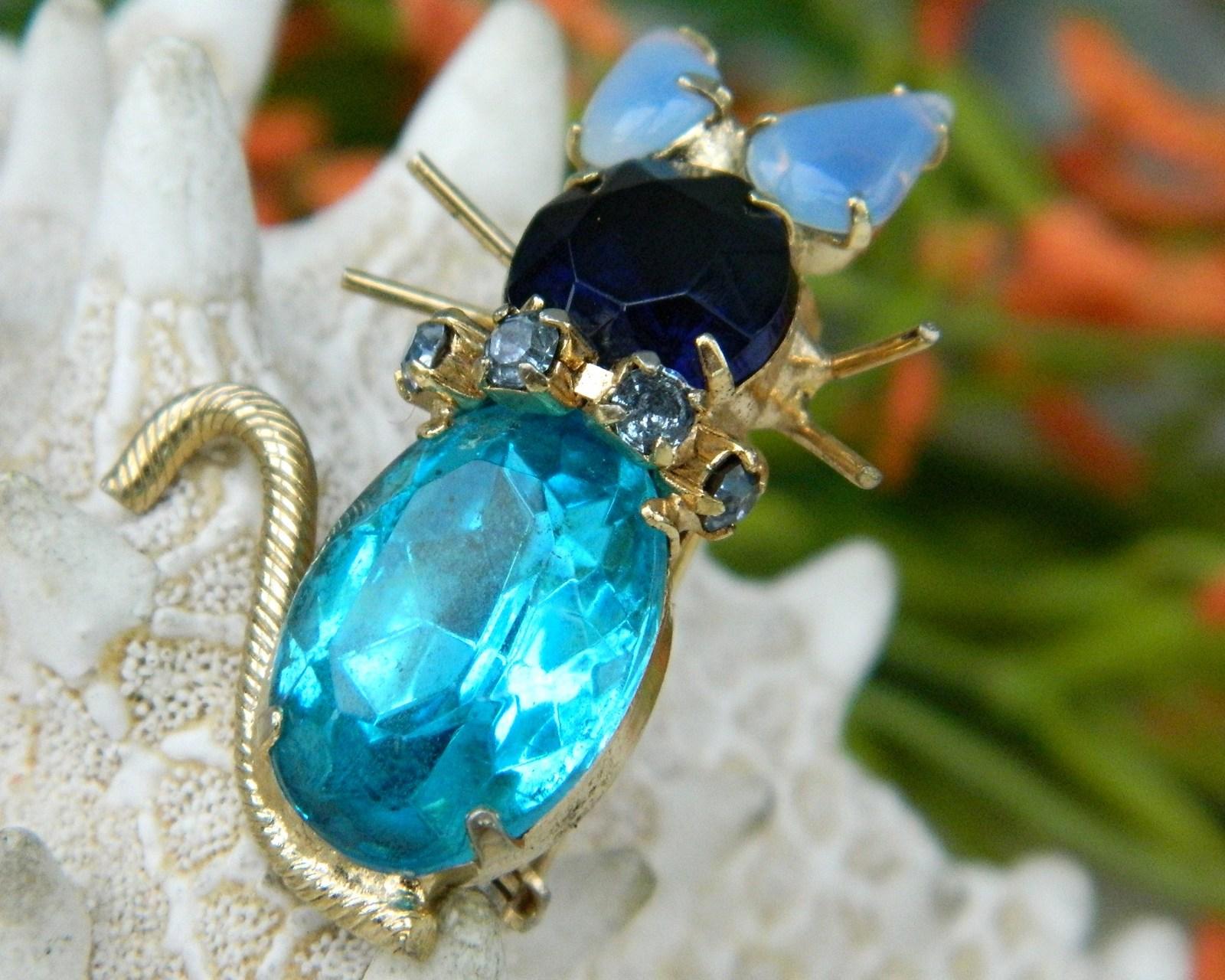Vintage Cat Brooch Pin Turquoise Blue Rhinestones Prong Set
