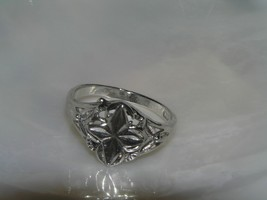 Estate 925 Marked Ornately Carved Four Point Flower Cut-out Ring Size 8.... - $15.70