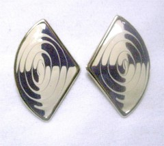 Vintage Stud Earrings 1970-80's Gold Tone Fan Shape Enameled Purple Crea... - $7.44