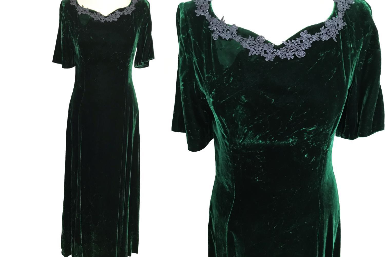 Vintage Crashed Velvet Forest Green Heart Shaped Crochet Lace Trimmed Full Lengt