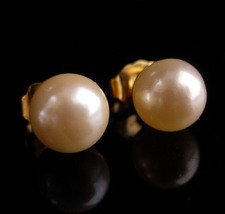 Vintage 10kt gold Earrings - 10mm pearl studs - yellow gold - genuine pearls - w - $95.00