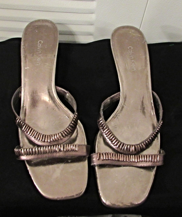 Calvin Klein Bronze Metallic Slip On Sandals w/Trinkets on Vamp Size: 9