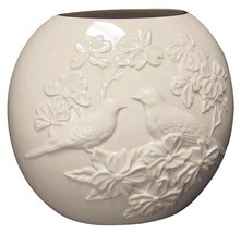 Lenox Four Seasons Vase Collection - Spring - The Dove and Dogwood Tree - £38.18 GBP