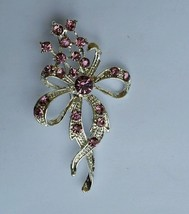 Stunning Silver Plated Flower Brooch Brooch Cake Pin with Pink DIAMANTE XMAS - $7.32