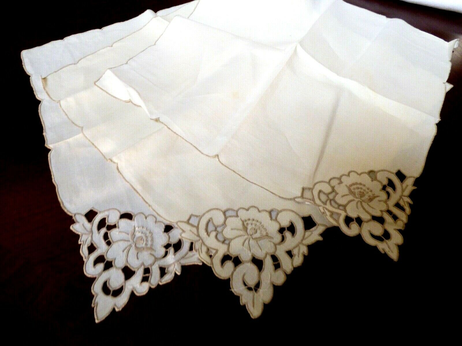 Primary image for VTG Ecru Linen Madeira Cutwork & Hand Embroidered Dining Napkin set of 3