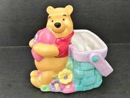 FTD Disney Winnie The Pooh Holding Heart Woven Basket Garden Flower Planter - $9.05