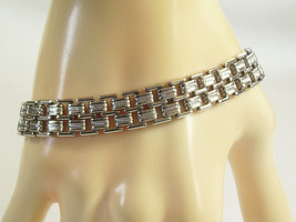 AVON Silver Plated PANTHER Link Chain Bracelet Texture Decorative Clasp ... - $17.81