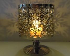 Bath & Body Works Silver Snowflake Large Jar Pedestal Candle Holder  - $12.99