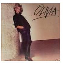 Olivia TOTALLY HOT LP Album MCA 3067 - $2.96