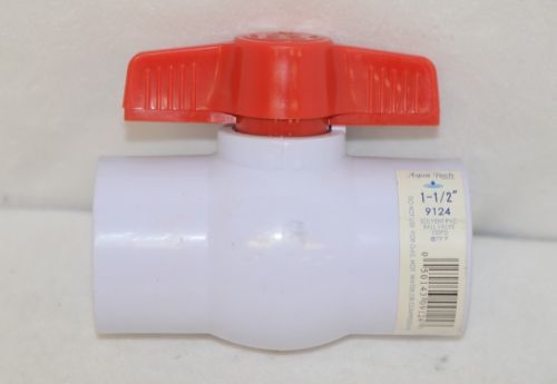 Aqua Tech 9124 One And Half Inch Solvent PVC Ball Valve 150PSI