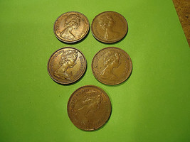 Lot Of 5 English Half Pennies **1976 - 1980** We Combine Shipping - $3.27