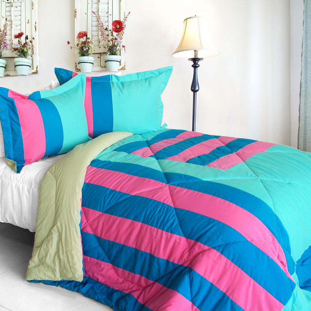 great hometown quilted patchwork down alternative comforter set twin size comforters sets. Black Bedroom Furniture Sets. Home Design Ideas