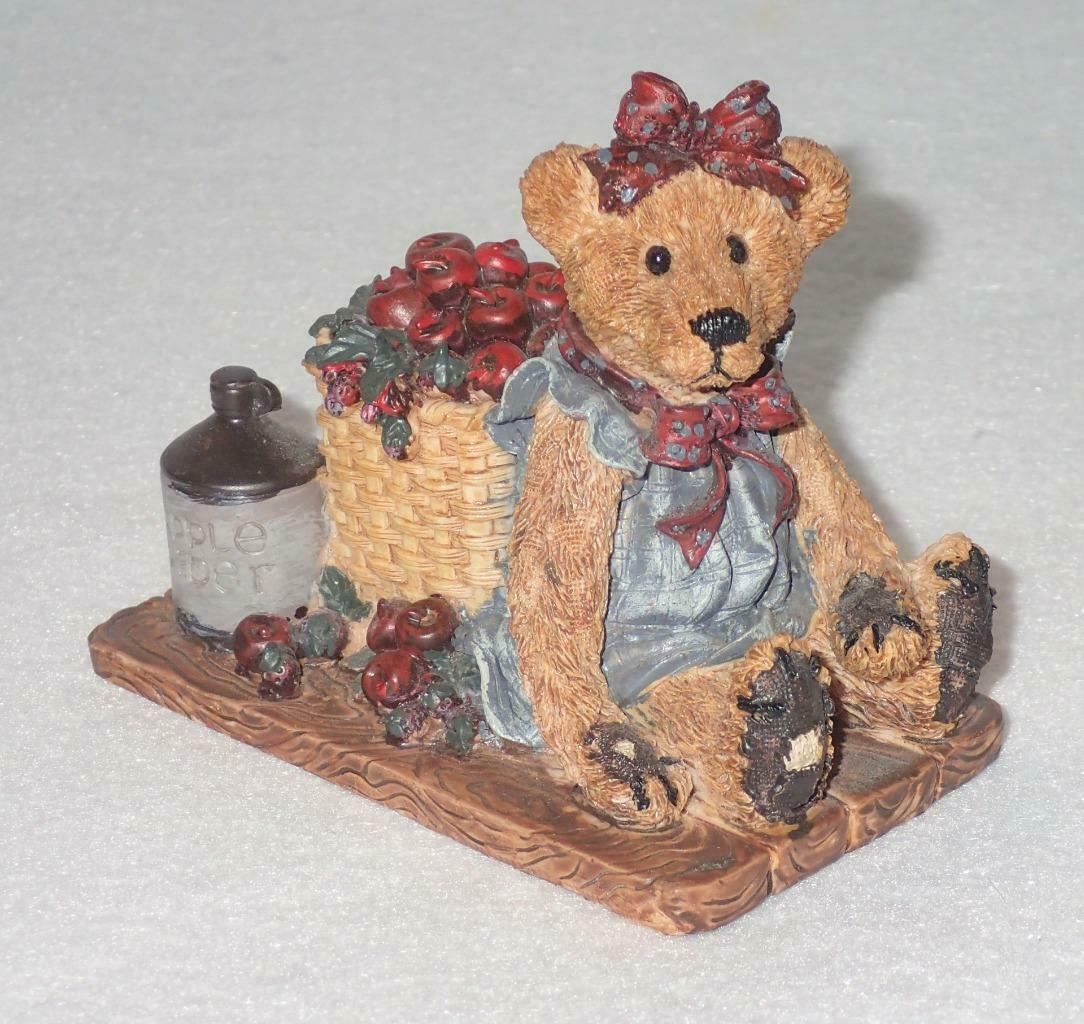 Boyd Bearstone Resin Bears Bailey In The Orchard Figurine #2006 18E NEW IN BOX