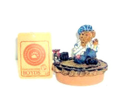 "Boyds Candle Topper""Casey..Next stop Boydsville"" Fits yankee candle~#651... - $29.99"