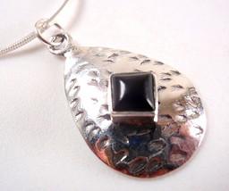 Black Onyx Square on Hammered Teardrop 925 Sterling Silver Pendant - $169,16 MXN
