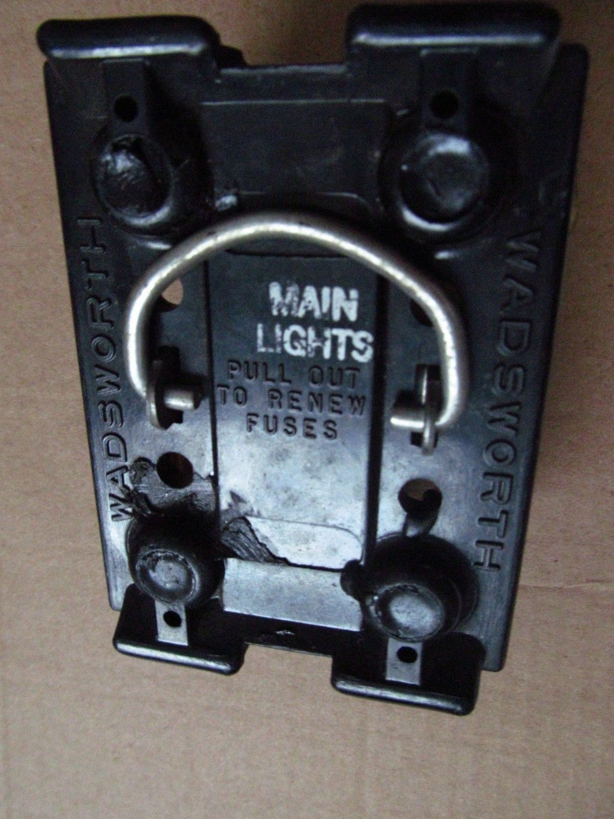 60 Amp Wadsworth Fuse Holder Pull Out Free And Similar Items Box 57