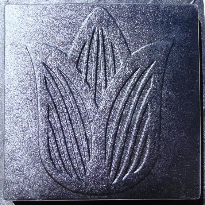 Ss 1818 tu tulip stepping stone mold