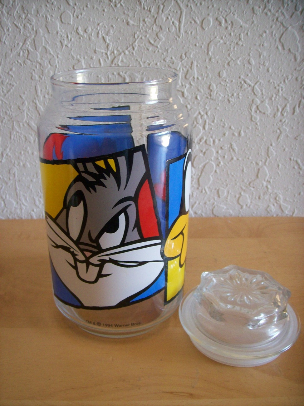 1994 Looney Tunes Bugs, Daffy & Taz Glass Jar/Canister with Lid