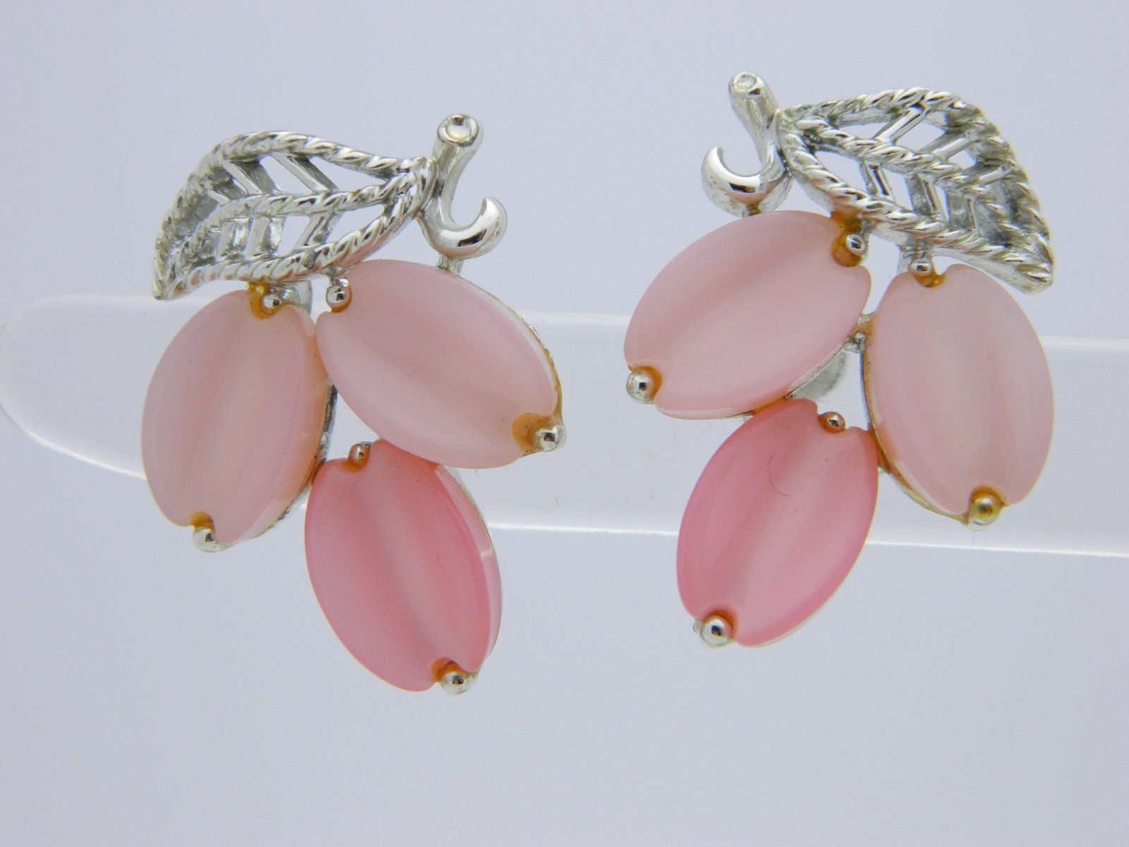 VTG LISNER Signed Silver Tone Pink Thermoset Screwback Earrings