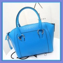 Large Crocodile Leather Designer Tote Handbag with Inside Side Zipper Pockets image 4