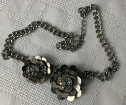 Simply Vera Wang Silver Flowers Necklace Rhinestones Beautiful! - $24.74