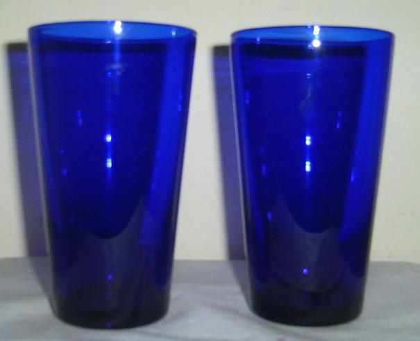 (2) Stunning Cobalt Blue 16 oz Libbey Tall Glass Tumblers