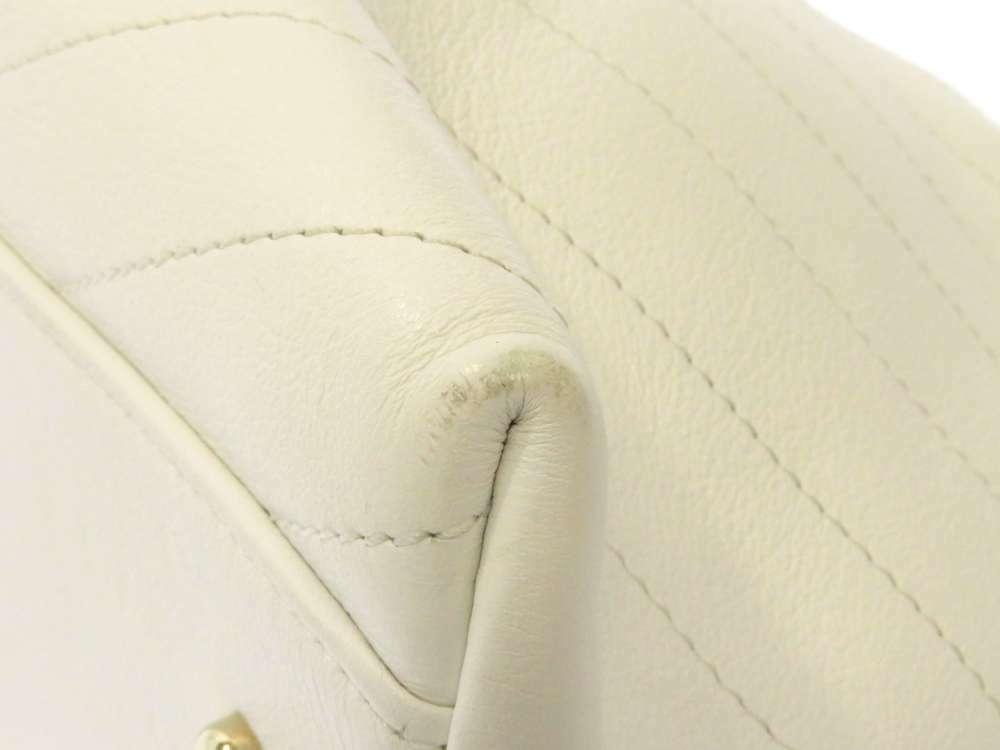 CHANEL Handbag Leather White Chevron V Stitch 2Way Shoulder Bag Italy Authentic image 4