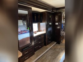 2017 THOR MOTOR COACH CHALLENGER 37LX FOR SALE IN Huntington Beach, CA 92605 image 6
