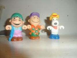Vintage McDonalds Happy Meal Peanuts Farm Figure Toys Charlie Snoopy Linus  - $4.46