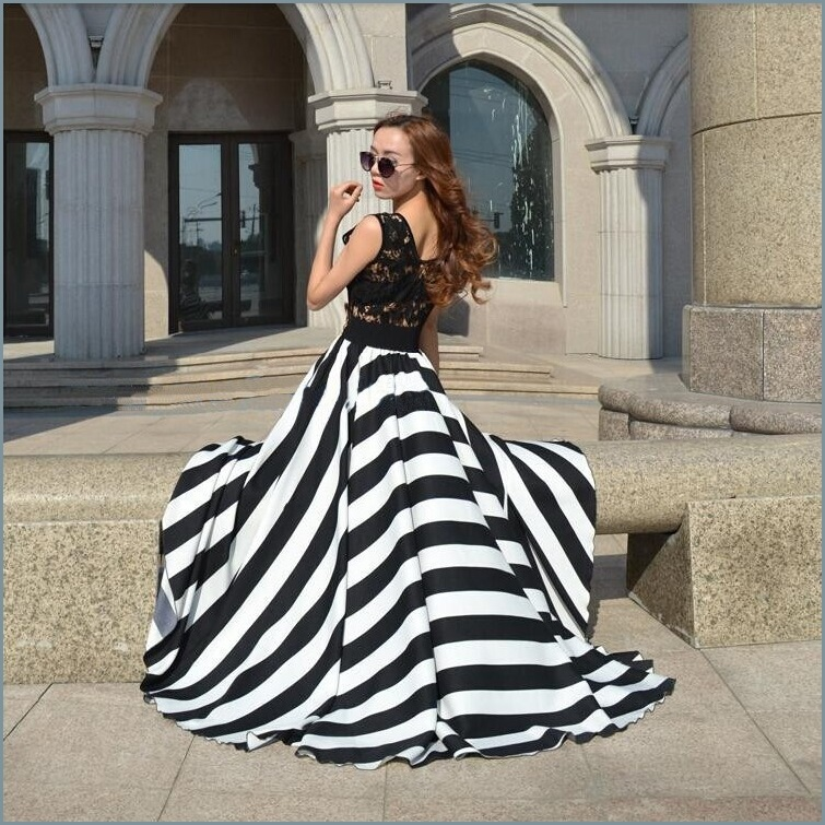 Black and White Full Waves Flare Gown with Blace Lace Bodice Summer Dress