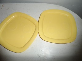 Fisher Price Servin' Surprises Kitchen & Table Yellow Replacement plates - $9.85