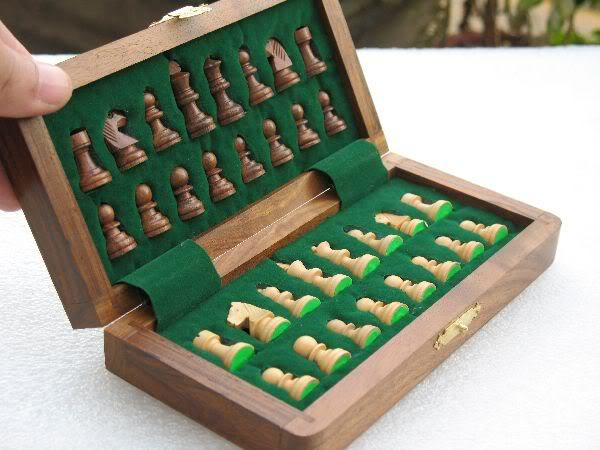 """7"""" Travelling Folding Magnetic Chess Set Shesham Wood image 2"""