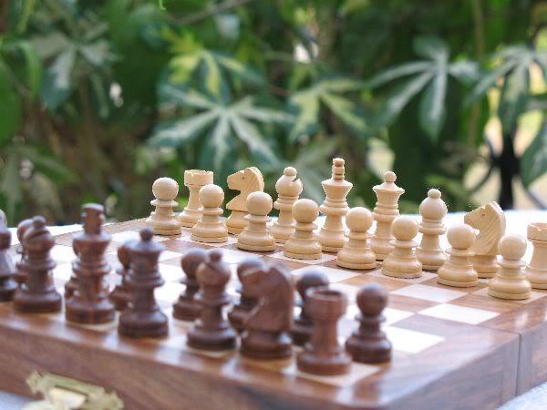 """7"""" Travelling Folding Magnetic Chess Set Shesham Wood image 5"""