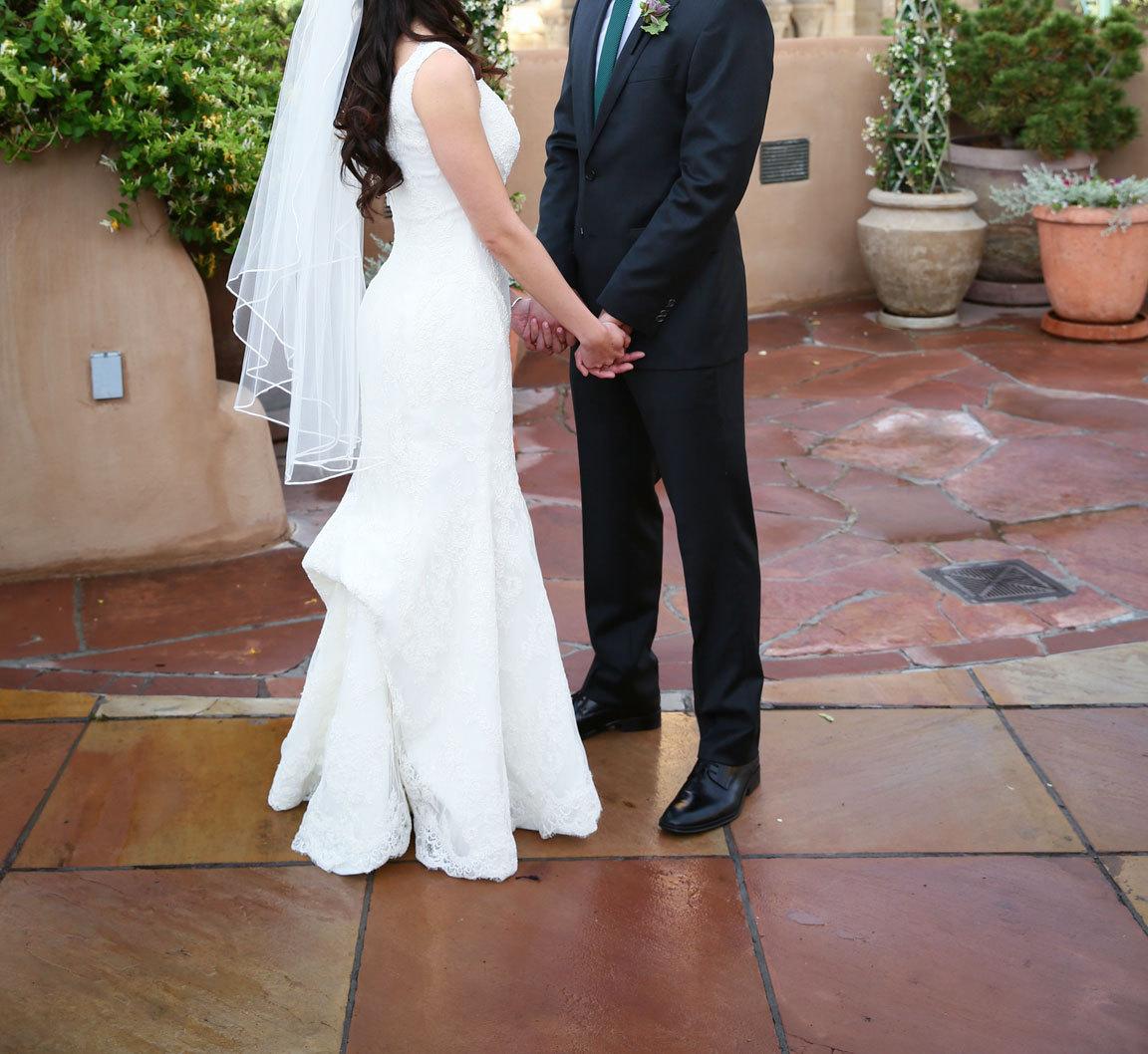 BLISS Monique Lhuillier Embroidered Lace Trumpet Wedding Dress Size 0