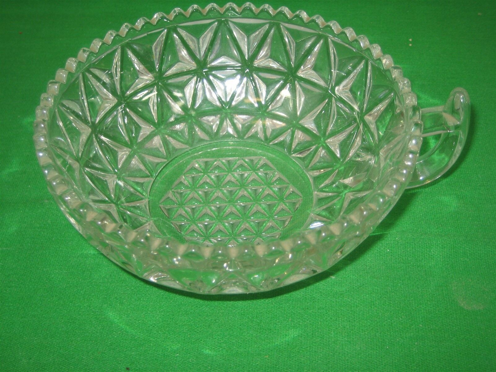 Vintage Clear Glass Saw Tooth Scalloped Top Edge Candy Dish Bowl - $9.46