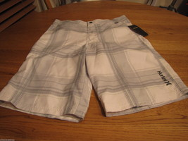 Boys Hurley youth 16 casual board shorts NEW NWT white surf skate brand ... - $16.45