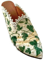 Just The Right Shoe By Raine and Willitts Touch Of Lace ©1999 - $11.29