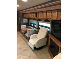 2014 Winnebago ADVENTURER 38Q For Sale In Athens, TX 75752 image 3