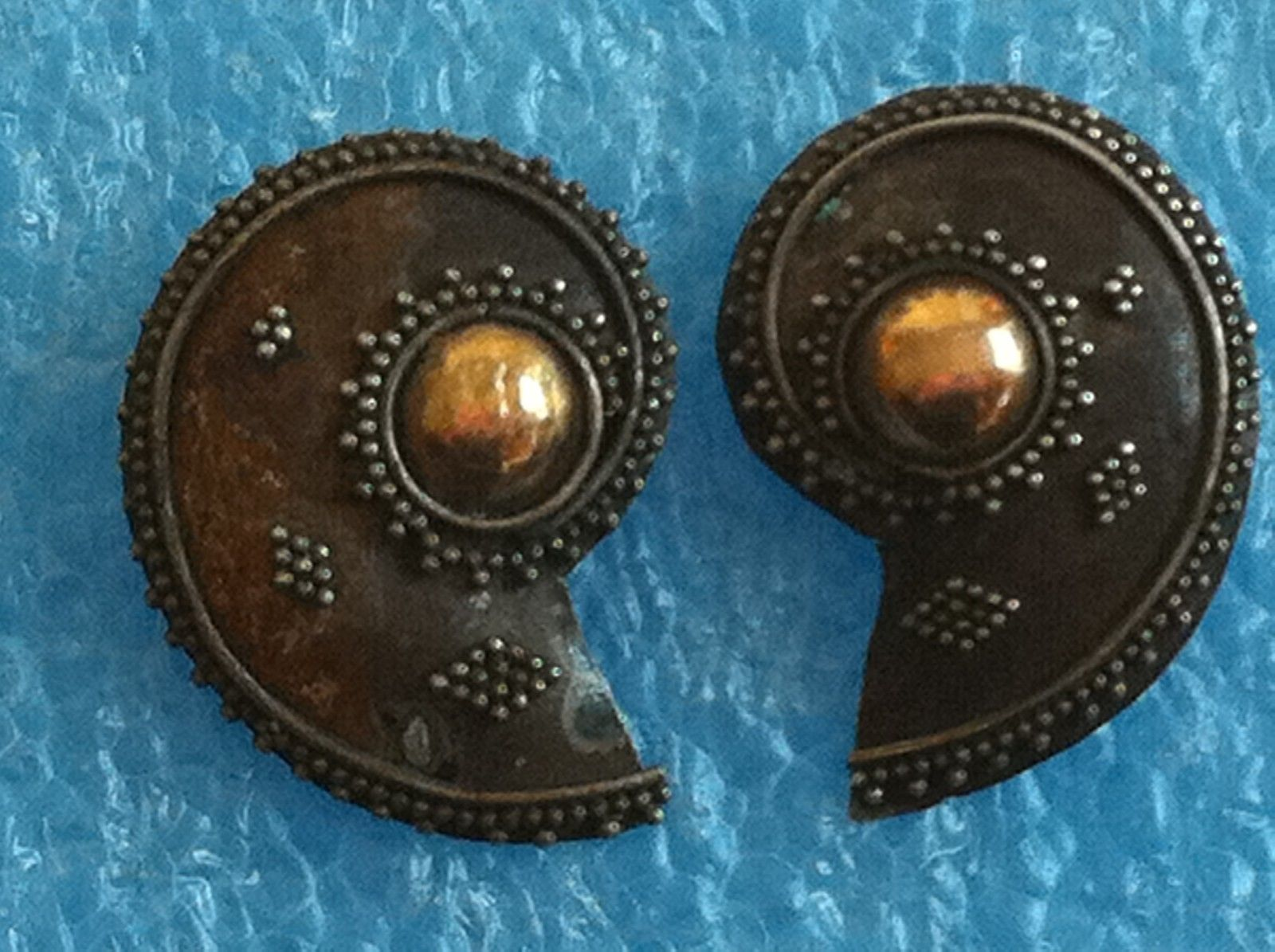 Primary image for VINTAGE STERLING SILVER GOLD SHELL LIKE EARRINGS