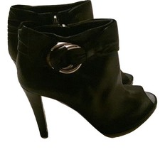 Authentic gucci women black boot size 39 - $270.00