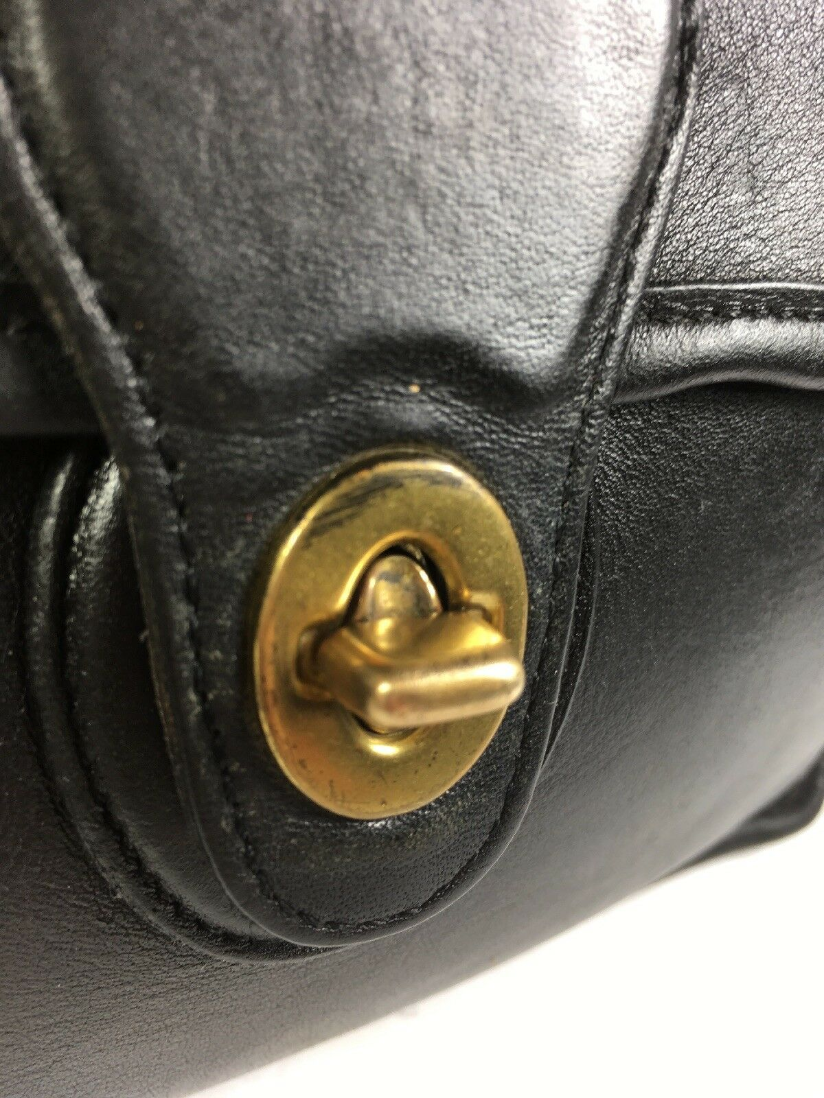Coach Vintage Willis Smooth Black Leather Shoulder Bag Brass HW